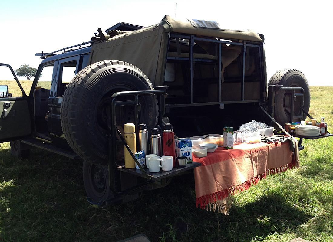 Breakfast bush picnics! A Safari tradition we uphold rigorously!